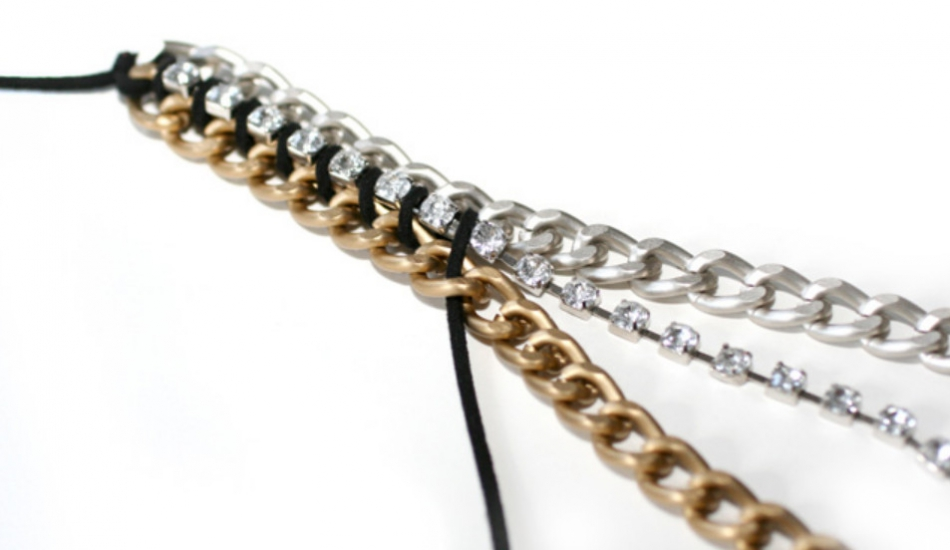 Как сделать браслет с разноцветными цепями (4)