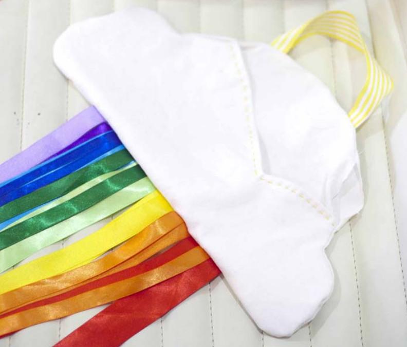 Как сшить подушку-облако с радугой (8)