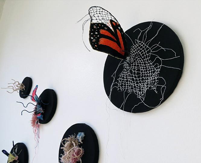Инсталляции из ниток от Вероники Фуэнтес (1)