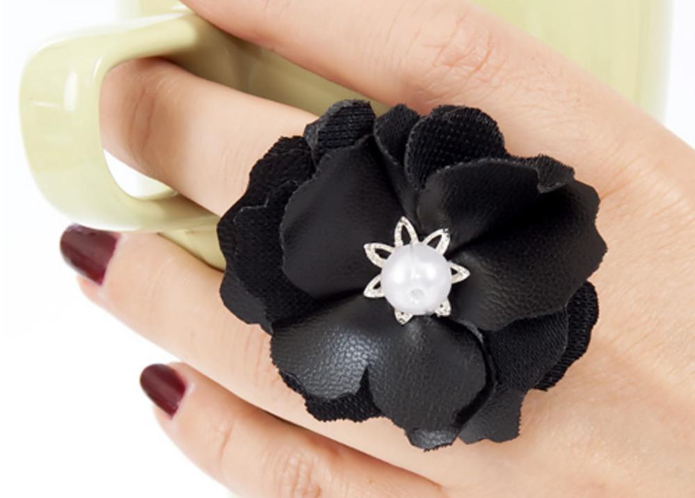 Как сделать кольцо с цветком (8)