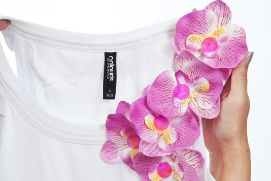 Орхидеи как украшение майки (3)