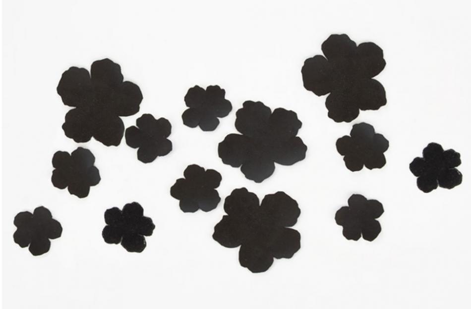 Украшение туники кожаными цветами (2)