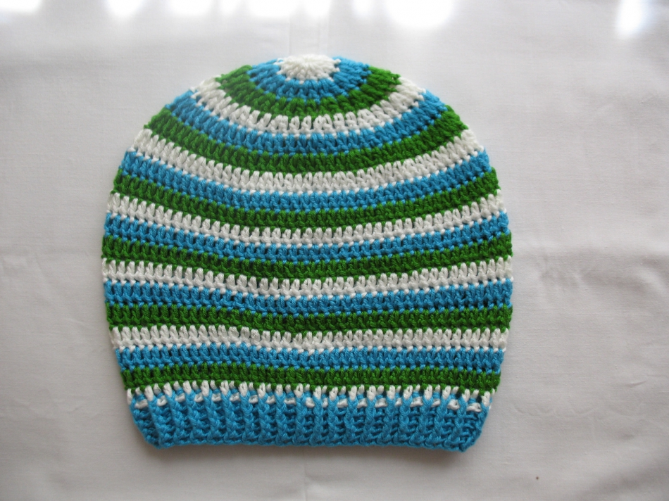 Весенне-осенняя шапочка в полоску (6)