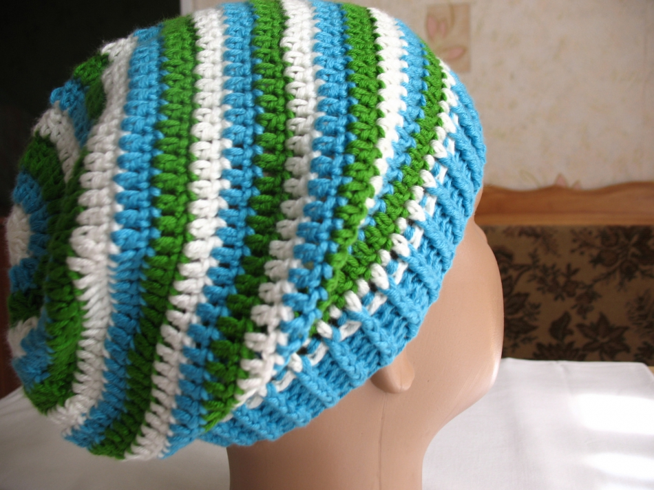 Весенне-осенняя шапочка в полоску (3)