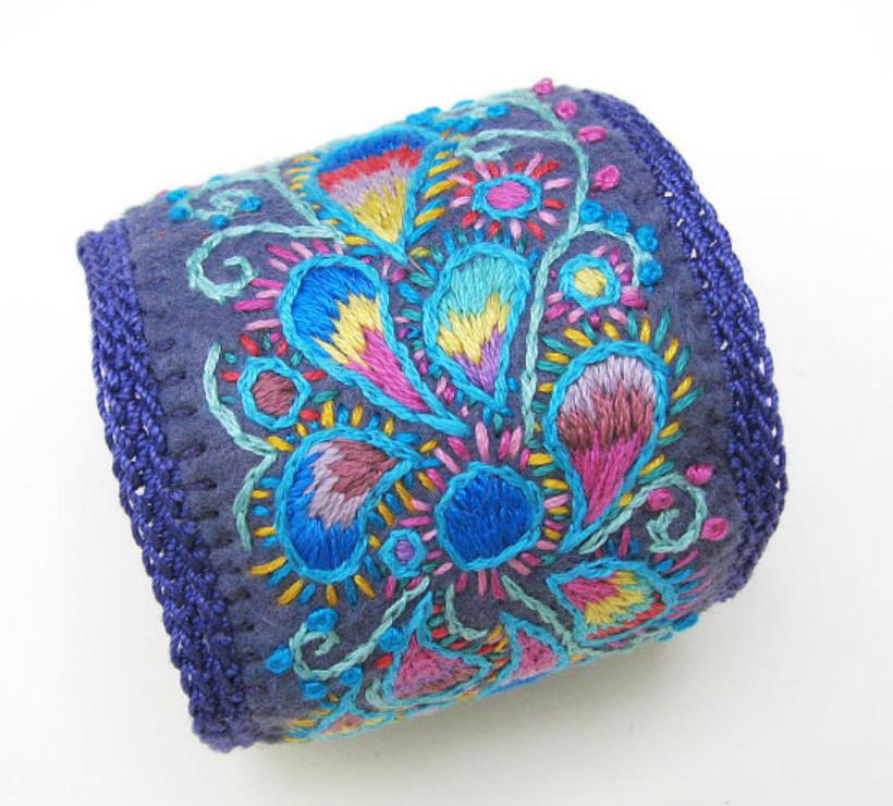 Как сделать браслет с вышивкой (2)