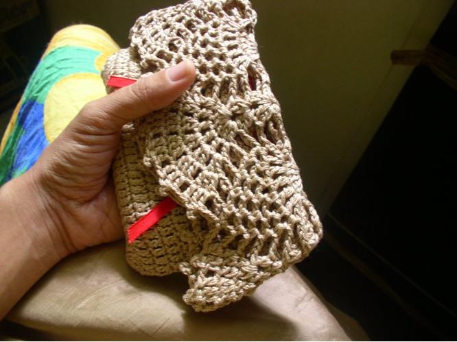 Вязаная малеькая сумочка (1)