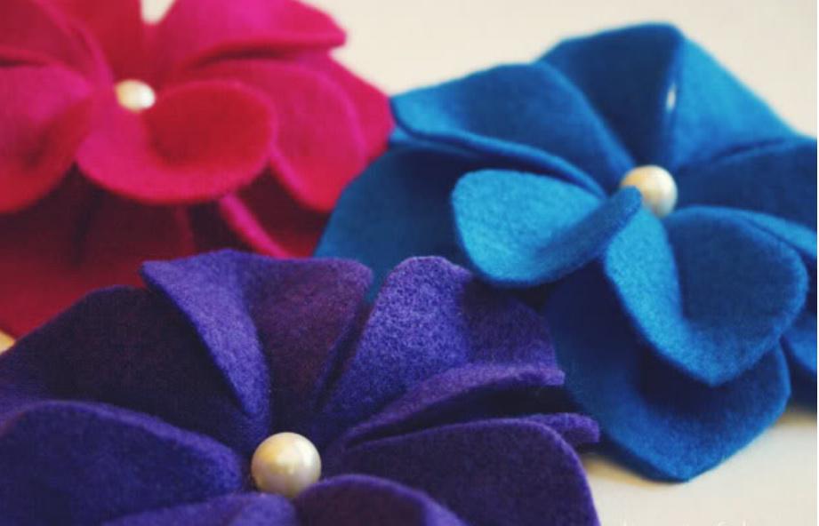 Как сделать объемные цветы из фетра (9)