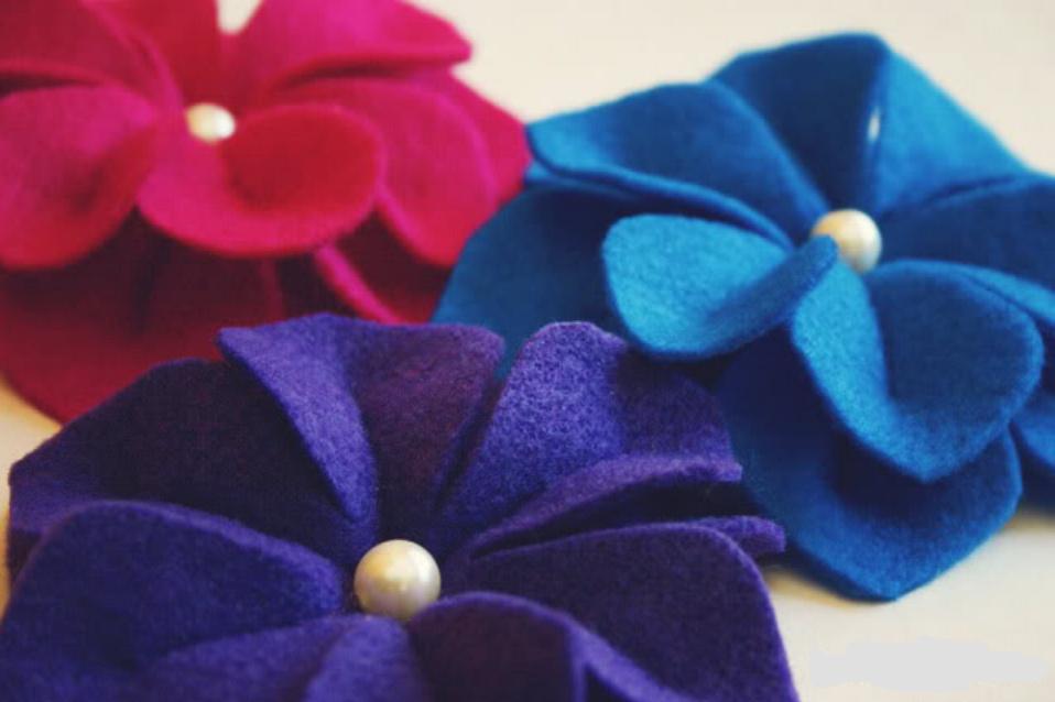 Как сделать объемные цветы из фетра (7)