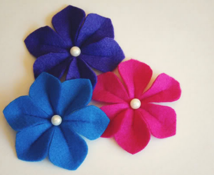 Как сделать объемные цветы из фетра (3)