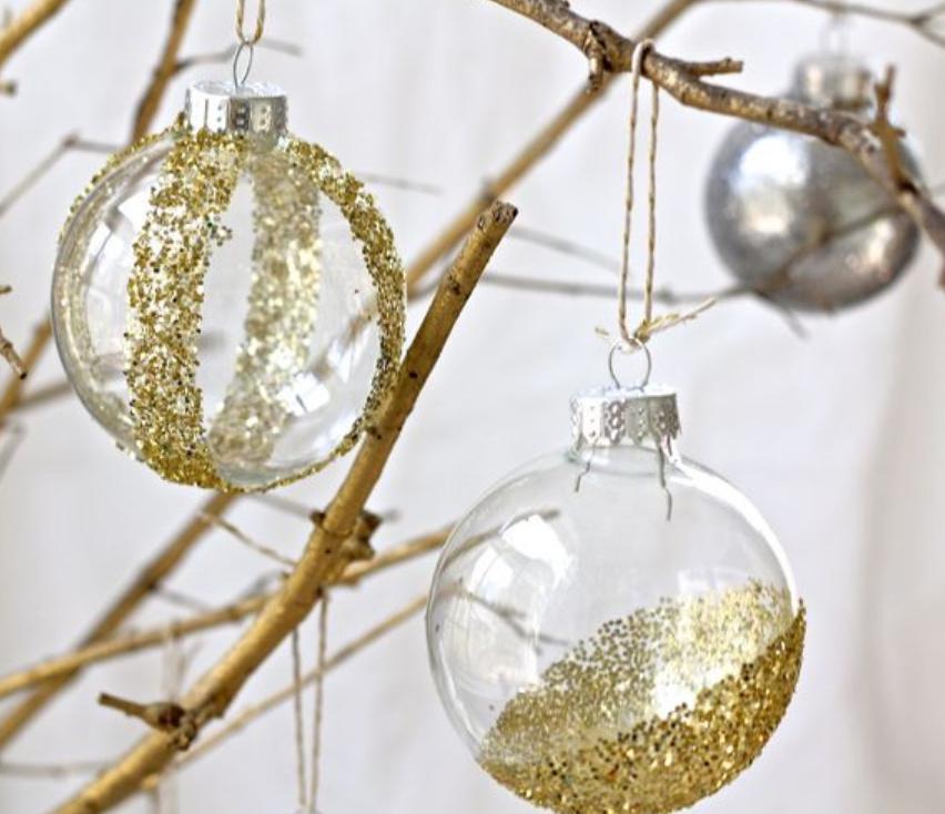 Новогодние шарики украшенные глиттерами (10)