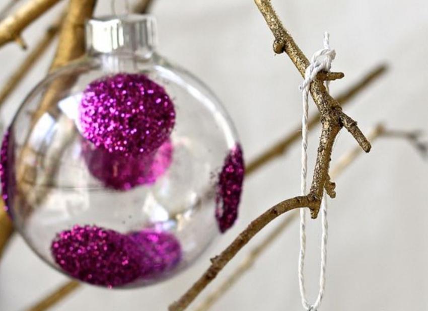 Новогодние шарики украшенные глиттерами (1)
