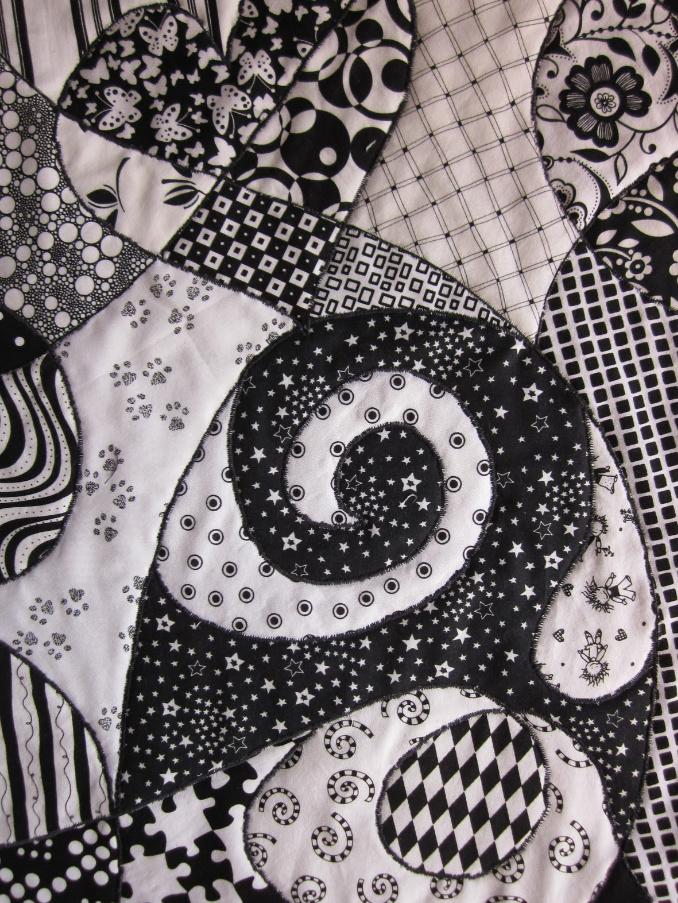 Как сшить черно-белое тканевое панно (2)