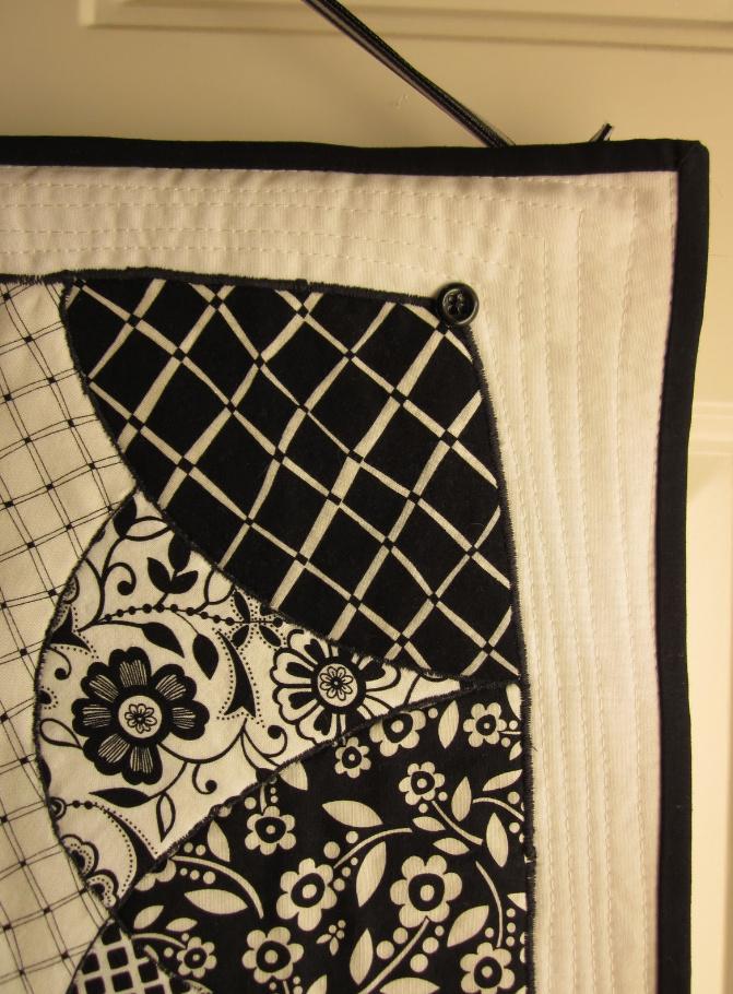 Как сшить черно-белое тканевое панно (1)