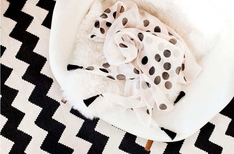 Как сшить шелковый платок с хлопковыми кистями (8)