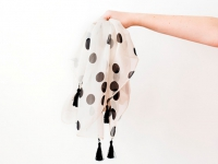 Как сшить шелковый платок с хлопковыми кистями (1)