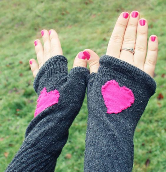 Как сшить митенки из носков (9)