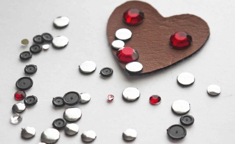Брошь-сердце ко дню Святого Валентина (8)