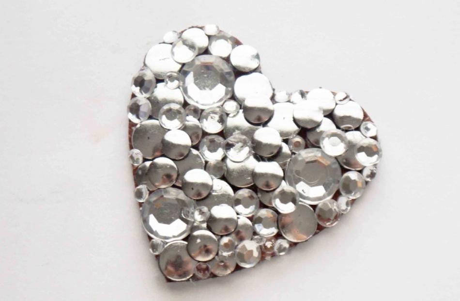 Брошь-сердце ко дню Святого Валентина (7)