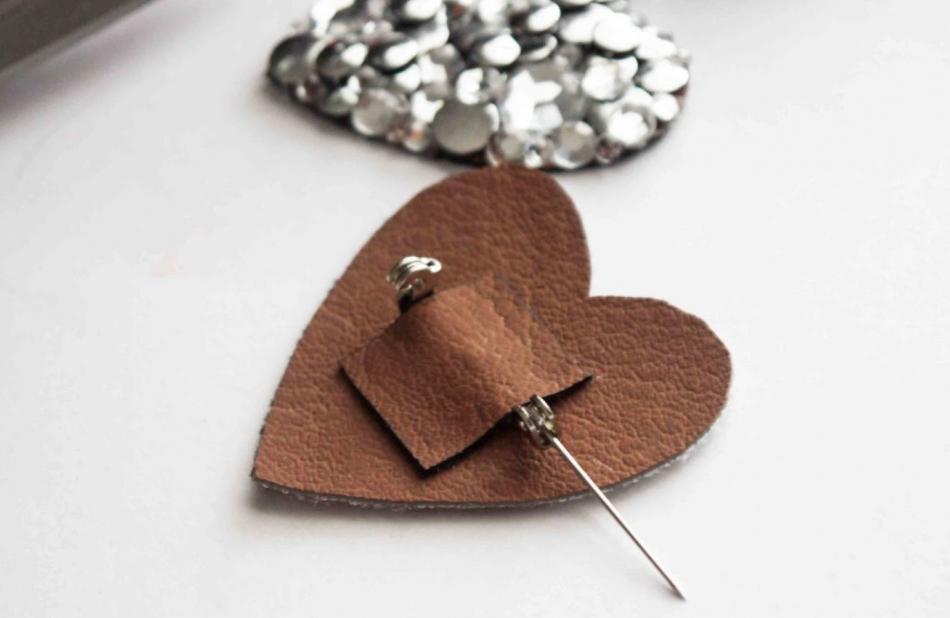 Брошь-сердце ко дню Святого Валентина (5)
