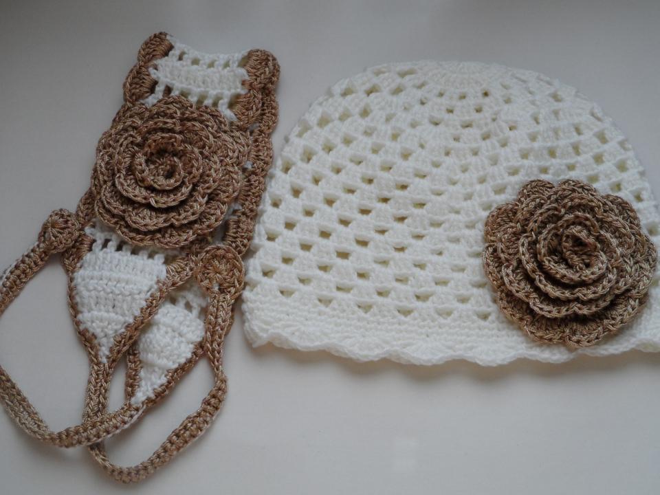 Весенняя шапочка для девочки под названием Золотой цветок (5)
