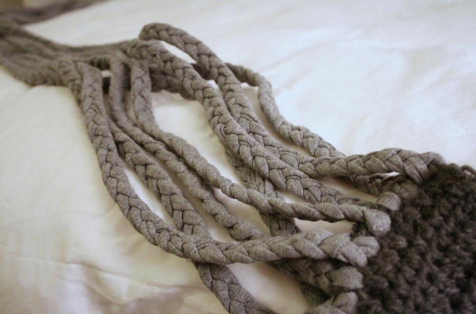 Креативный шарфик из трикотажа и вязаного элемента (1)