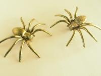 Как сделать серьги-пауки (1)