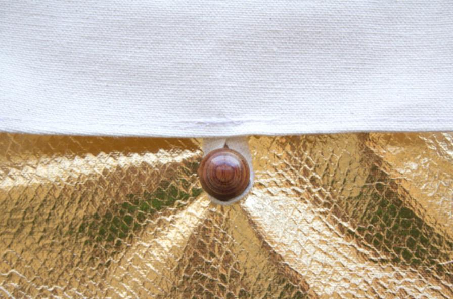 Золотой чехол для планшета (2)