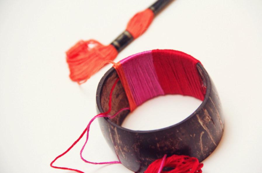 Браслет в красно-розовой гамме (7)