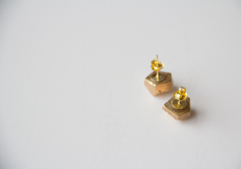 Серьги-пусеты золотого цвета (3)