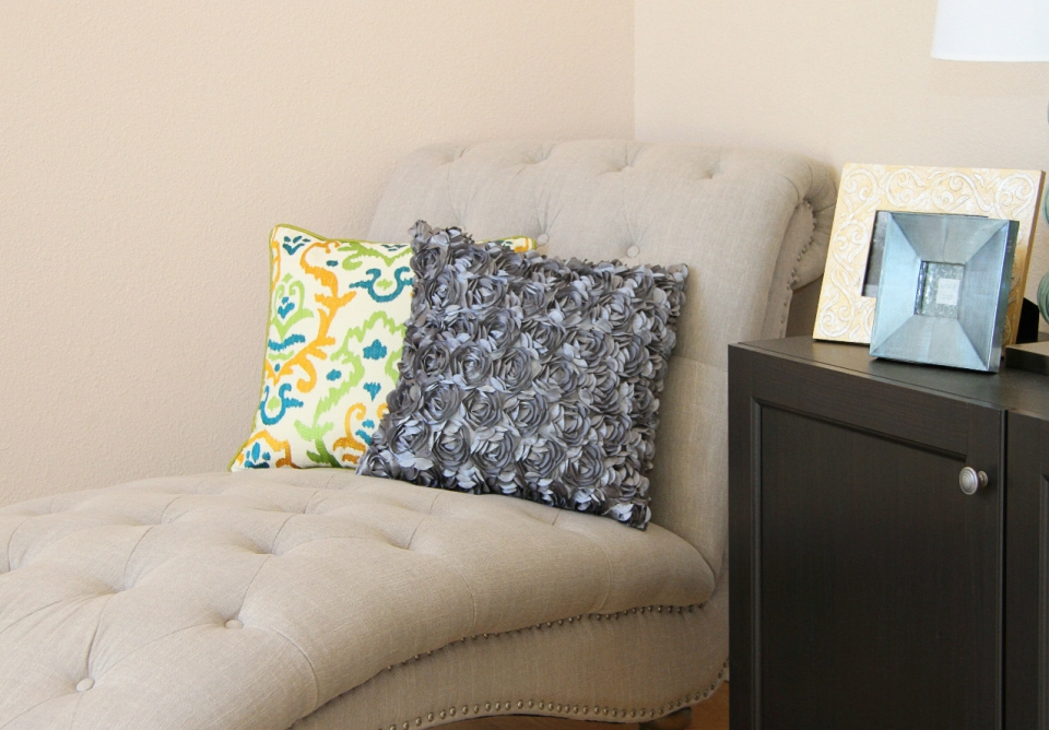 Цветочная декоративная диванная подушка (10)