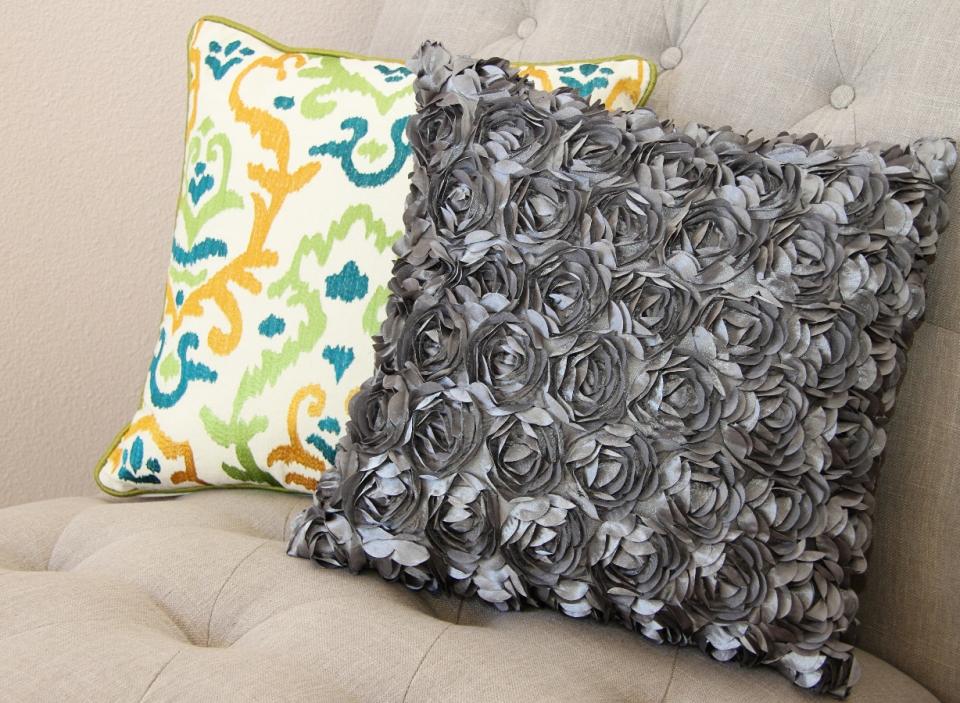 Цветочная декоративная диванная подушка (8)