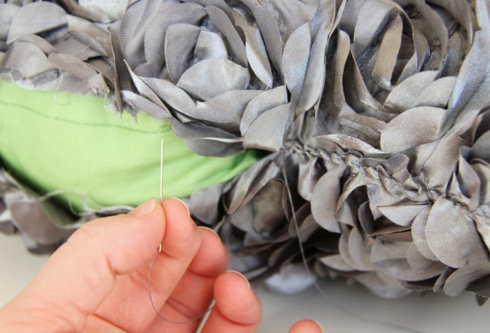 Цветочная декоративная диванная подушка (7)