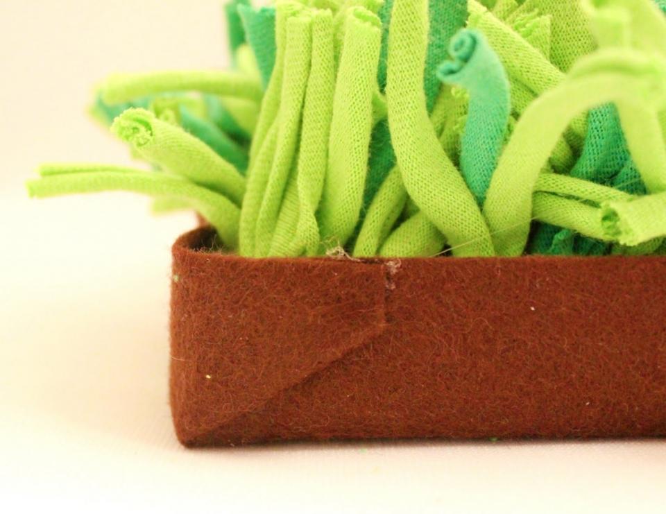 Декоративное кашпо с вечно-зеленой травой (8)