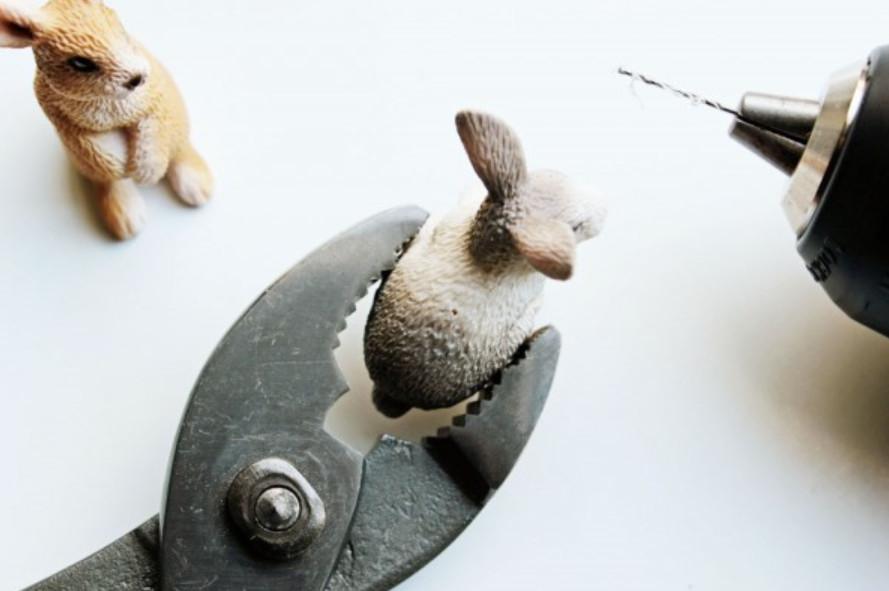 Держатели визиток в виде зайцев (5)