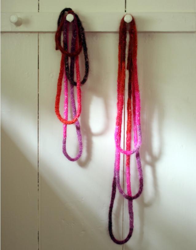 Украшение из вязаных шнуров (11)