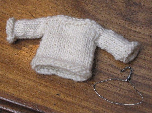 Милые мини-свитерочки для елки