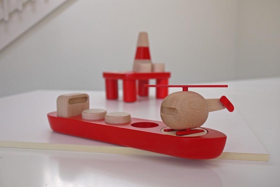 Деревянные игрушки ручной работы с норвежским колоритом
