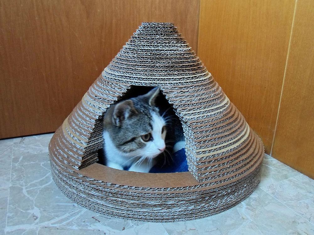 Как сделать домик для кошкииз картона