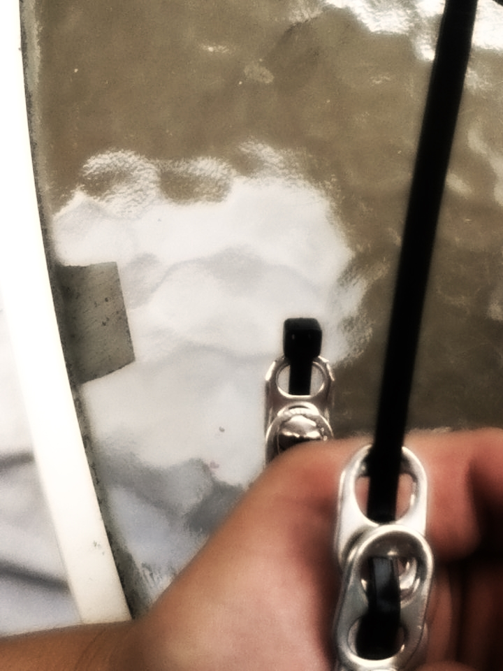 Брутальный браслет из крышек от жестяных банок с газировкой