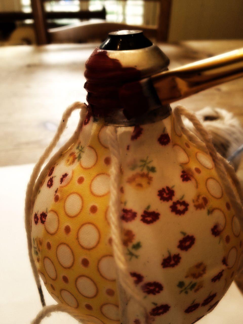 Как сделать игрушку воздушный шар из старой лампочки