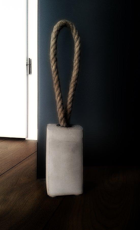 Элементарный стопер для дверей