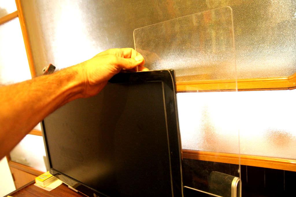 Панель-невидимка для липких записных листочков на монитор